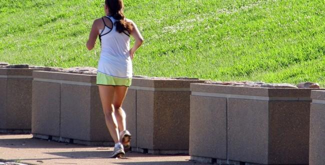 脚を細くするためには走ったほうがいいの?